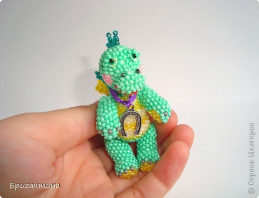 Этот дракончик отправится в г. Красноярск в качестве подарка. Надеюсь, он принесёт удачу новым хозяевам :-) МК дракончика здесь http://stranamasterov.ru/node/268451?t=451. фото 5