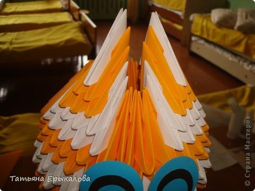 """В нашем детском саду проходила выставка работ на тему: """"Мартовские коты"""". В ней принимали участие дошколята, родители и педагоги. Так как  увлекаюсь модульным оригами, решила   представить на выставке вот такого Рыжего кота. фото 3"""