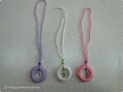 Это моя работа - цепочки, колечки и ромашки. фото 5