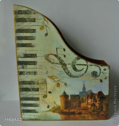 Молодому музыканту (сыну подруги) сделала в подарок подставку для нот... фото 3