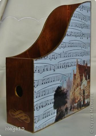 Молодому музыканту (сыну подруги) сделала в подарок подставку для нот... фото 1