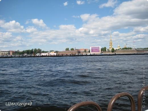 Хочу поделиться радостью! Я увидела Санкт-Петербург летом! Я уже была в Ленинграде два раза, но оба раза зимой. К тому же это было 30 лет назад. А город-то весь на воде! Только летом это можно прочувствовать. фото 15