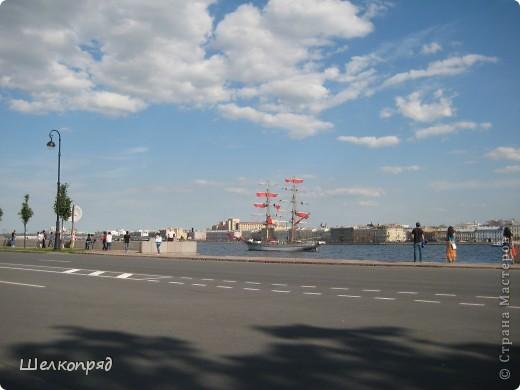 Хочу поделиться радостью! Я увидела Санкт-Петербург летом! Я уже была в Ленинграде два раза, но оба раза зимой. К тому же это было 30 лет назад. А город-то весь на воде! Только летом это можно прочувствовать. фото 9
