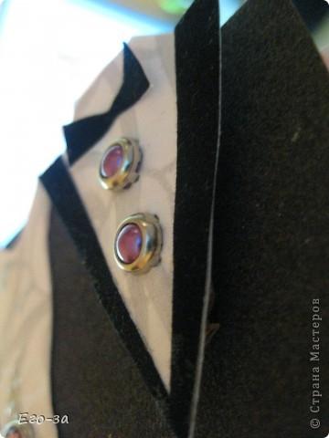"""Представляю вашему вниманию вариант оформления открытки (альбомчика) на свадебную тематику. Платье и фрак с элементами 3D, """"ткань"""" у платья из салфетки, рисунок продублирован акриловой краской с серебром. фото 2"""
