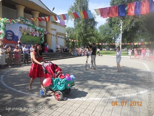 прошел парад просто на ура!!! сначала шли девочки со своими детскими колясками!! приятного просмотра!!!  фото 8