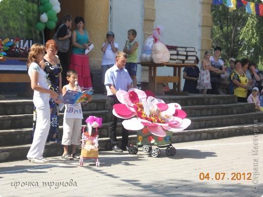 прошел парад просто на ура!!! сначала шли девочки со своими детскими колясками!! приятного просмотра!!!  фото 9