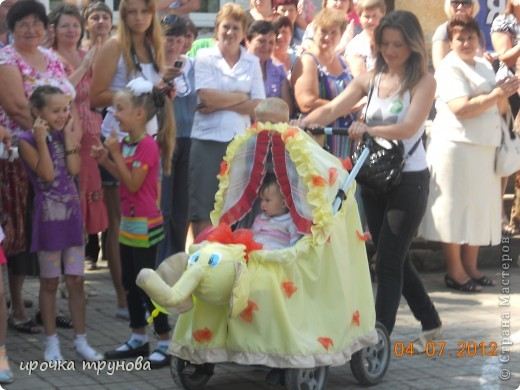 прошел парад просто на ура!!! сначала шли девочки со своими детскими колясками!! приятного просмотра!!!  фото 12
