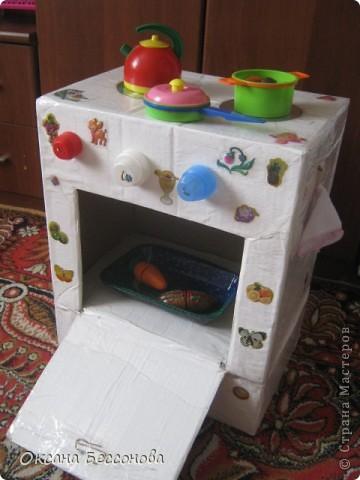 Вот такую кухонную плиту решила я сотворить для дочери из двух коробок. фото 2