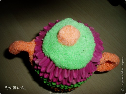 Мой чайничек из модульного оригами с крышечкой, носиком и ручкой из шарикового пластилина. фото 1