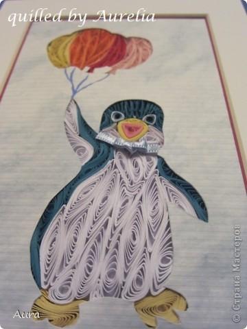 """Есть замечательный старый мультик """" Приключения пингвинёнка Лоло"""" - я всомнила о нем когда решала, какого же """"зверя"""" квиллингнуть:)) Я давно засматриваюсь на работы Сандры Уайт - http://quillingbysandrawhite.mysupadupa.com/ - и вот, решила попробовать! Техника защищена авторским правом, потому отмечаю: Работа предназначена только для личного пользования.  Понравилось работать, хоть поначалу немного непривычно было выходить за контуры рисунка:))  фото 1"""
