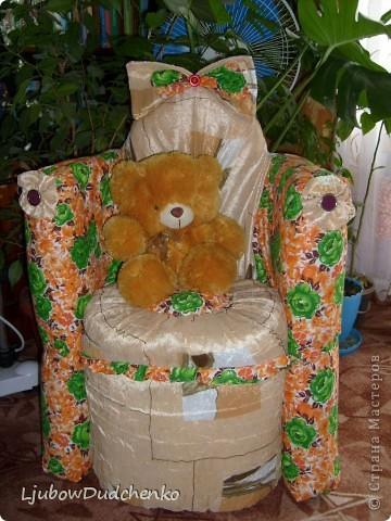 Удобное кресло из пластиковых бутылок. фото 2