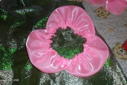 для новой коллекции театра мод понадобилось платье флоры. так как роза царица цветов решили сделать такой вот декор. фото 7