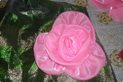 для новой коллекции театра мод понадобилось платье флоры. так как роза царица цветов решили сделать такой вот декор. фото 10