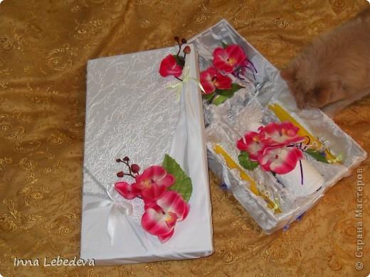 Свадьба - это праздник!!!  А к празднику готовиться - одно удовольствие. Вот сотворила для  молодых небольшой наборчик. Решила поэкспериментировать с орхидеями и фиалками.  фото 1