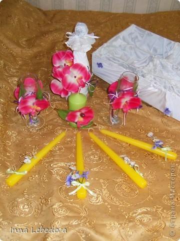 Свадьба - это праздник!!!  А к празднику готовиться - одно удовольствие. Вот сотворила для  молодых небольшой наборчик. Решила поэкспериментировать с орхидеями и фиалками.  фото 6