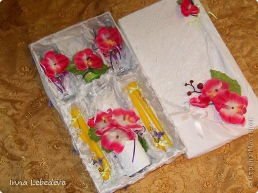 Свадьба - это праздник!!!  А к празднику готовиться - одно удовольствие. Вот сотворила для  молодых небольшой наборчик. Решила поэкспериментировать с орхидеями и фиалками.  фото 7