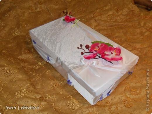 Свадьба - это праздник!!!  А к празднику готовиться - одно удовольствие. Вот сотворила для  молодых небольшой наборчик. Решила поэкспериментировать с орхидеями и фиалками.  фото 8