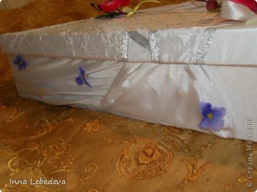 Свадьба - это праздник!!!  А к празднику готовиться - одно удовольствие. Вот сотворила для  молодых небольшой наборчик. Решила поэкспериментировать с орхидеями и фиалками.  фото 11