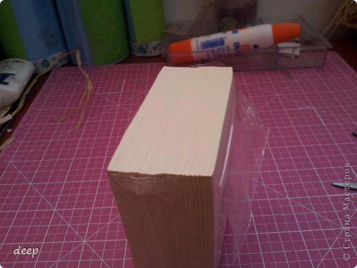 """Это мой первый мастер-класс, вернее даже просто """"репортаж"""" о том как я бысто и дешево делаю блоки для записей. Я использую для блоков разные материалы - остатки от предыдущих работ просто потому что не люблю выбрасывать ни сантиметра бумаги =) фото 3"""