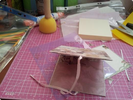"""Это мой первый мастер-класс, вернее даже просто """"репортаж"""" о том как я бысто и дешево делаю блоки для записей. Я использую для блоков разные материалы - остатки от предыдущих работ просто потому что не люблю выбрасывать ни сантиметра бумаги =) фото 18"""