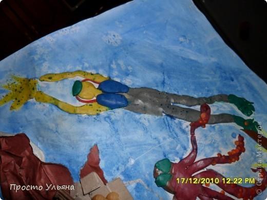 Всем здравствуйте ещё раз))Хочу показать вам работы моего братика которые он делал один или с мамой когда был ещё маленький,фотографии были сделаны гораздо позже чем были сделаны сами работы поэтому некоторые персонажи слегка помяты или немного испочканы пластилином другого цвета...начинаем фоторепортаж фото 24