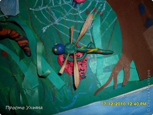 Всем здравствуйте ещё раз))Хочу показать вам работы моего братика которые он делал один или с мамой когда был ещё маленький,фотографии были сделаны гораздо позже чем были сделаны сами работы поэтому некоторые персонажи слегка помяты или немного испочканы пластилином другого цвета...начинаем фоторепортаж фото 45
