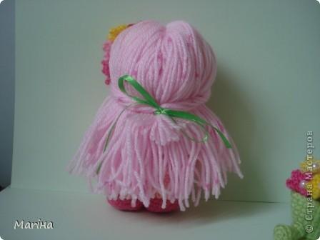 """Всем здравствуйте! Связалась такая куколка-цветочница ( по переводу с сайта """"Амигуруми, всех стран соединяйтесь""""). фото 3"""