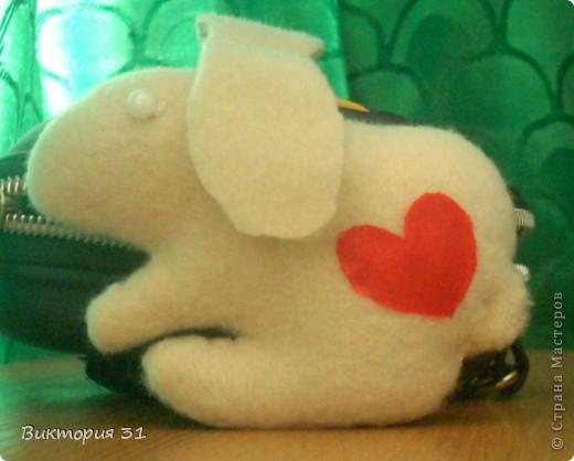 У меня появились вот такие зверушки из флиса)))) На мой взгляд милые и симпатичные))  это зайка  фото 1