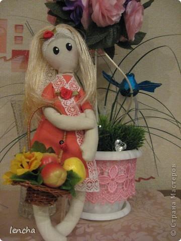 Здравствуйте, мои дорогие жители Страны Мастеров!!! Сегодня хочу показать вам свою новую куколку.  Она мне не нравится, но, всё равно решила вам её показать (т.к. хоть хороший, хоть плохой, но...опыт есть опыт) Даже не знаю, как её назвать...... фото 5