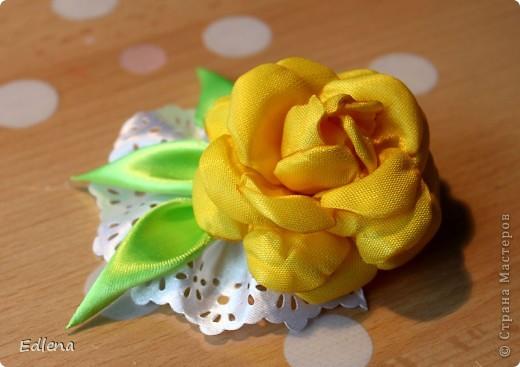 Делаем розу из ленты. (подобного мк не нашла на сайте,если это не так прошу меня поправить) фото 13