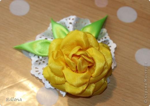 Делаем розу из ленты. (подобного мк не нашла на сайте,если это не так прошу меня поправить) фото 14