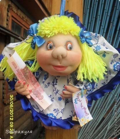 Вот таких кукол нашила на июньскую ярмарку. Шью теперь на даче. Совсем мало куклёш удаётся шить. Совмещать работу, дачу , кукол и внуков тяжеловатоооооо. Поэтому уже что уж есть. Вот такие девчонки. фото 1