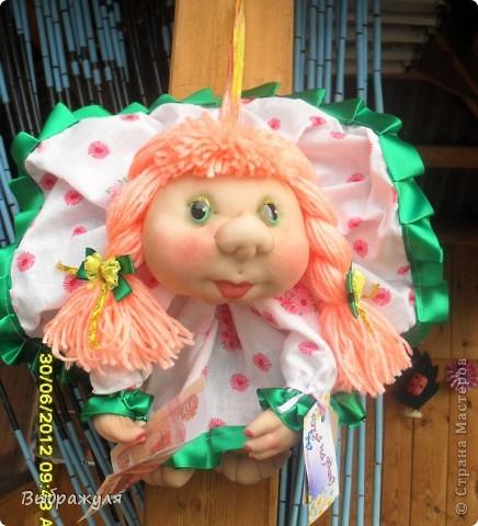 Вот таких кукол нашила на июньскую ярмарку. Шью теперь на даче. Совсем мало куклёш удаётся шить. Совмещать работу, дачу , кукол и внуков тяжеловатоооооо. Поэтому уже что уж есть. Вот такие девчонки. фото 7
