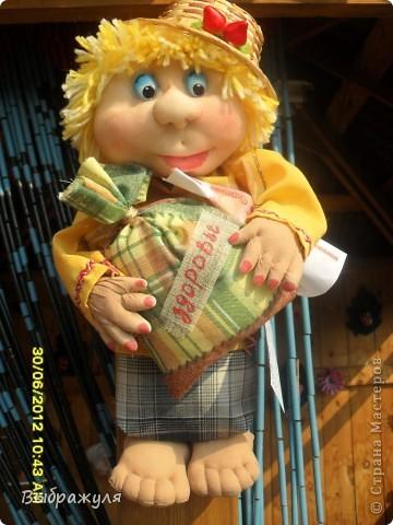 Вот таких кукол нашила на июньскую ярмарку. Шью теперь на даче. Совсем мало куклёш удаётся шить. Совмещать работу, дачу , кукол и внуков тяжеловатоооооо. Поэтому уже что уж есть. Вот такие девчонки. фото 11
