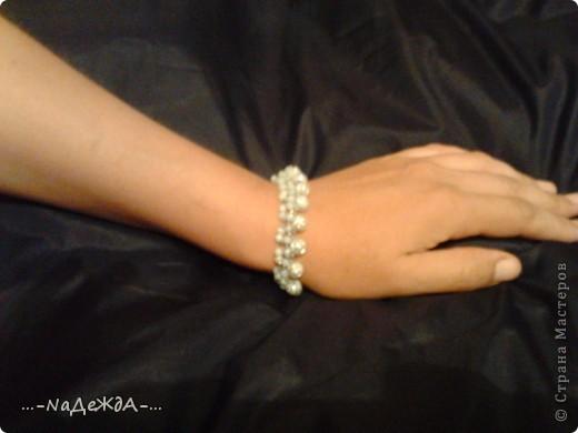 Вот это моё ожерелье. Идею я поймала здесь, но немного изменила, так как у меня были под рукой бусины разного размера. Извините заранее за плохое качество фотографий, снимала на телефон и отбирала самое лучшее... фото 2