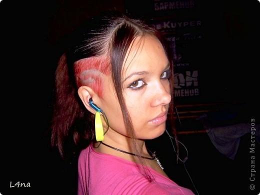В очередной раз доплетая косы своей дочери я вдруг подумала, а сколько же раз я плела косички своим дочкам в таком объеме? Оказалось что уже лет 8 я хотя бы раз в год это делаю. И решила собрать все наши эксперименты с волосами... Эту прическу я уже выставляла в посте где описывала выпускной образ, но повторюсь Подробнее об образе http://stranamasterov.ru/node/385587  фото 24