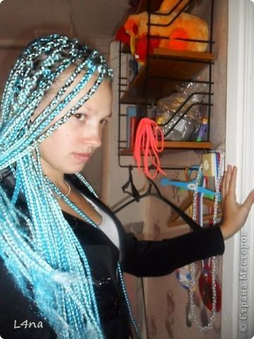 В очередной раз доплетая косы своей дочери я вдруг подумала, а сколько же раз я плела косички своим дочкам в таком объеме? Оказалось что уже лет 8 я хотя бы раз в год это делаю. И решила собрать все наши эксперименты с волосами... Эту прическу я уже выставляла в посте где описывала выпускной образ, но повторюсь Подробнее об образе http://stranamasterov.ru/node/385587  фото 6