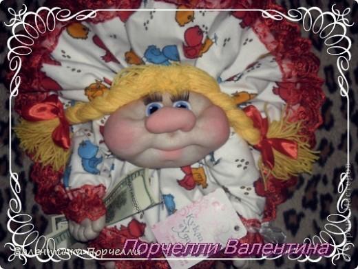 Приветствую всех!!!!Поздравляю всех с Праздником Семьи!!!Всем ЛЮБВИ,ВЕРНОСТИ,СЧАСТЬЯ И ВЗАИМОПОНИМАНИЯ!!!!!У нас сегодня выставка.Я основательно подготовилась))))20 кукол нашила.Руки болят))) фото 17