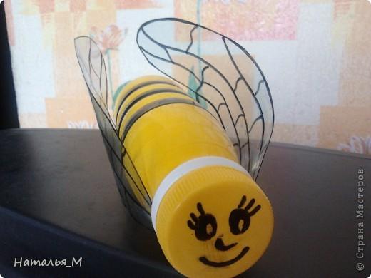 Пчелка из бутылочки фото 1