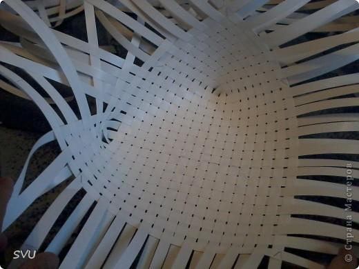 Корзинка из упаковочной (полипропиленовой, стреппинг) ленты на 7-8 литров. фото 7