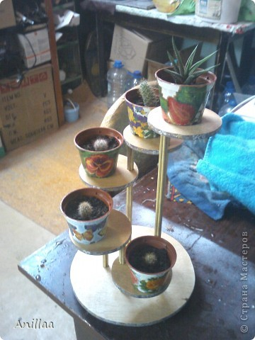 Мини-стоечка под кактусики. фото 3