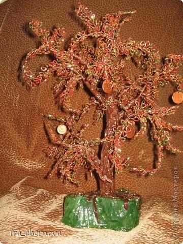 Еще одно денежное дерево осеннее, высота 35 см с подставочкой, высота подставки- 4 см, материал- рубка. фото 1