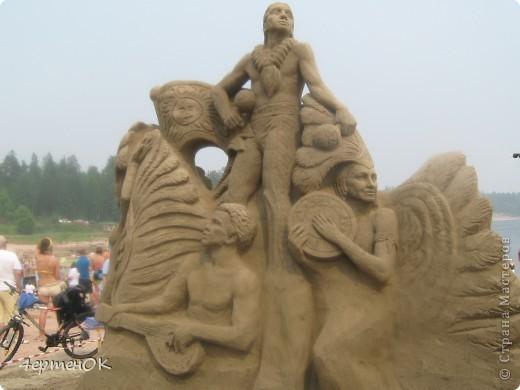 Продолжение фоторепортажа с фестиваля песчаных фигур. Начало тут http://stranamasterov.ru/node/388387. Фотографировала только большие скульптуры. Было еще штук 15 маленьких, детских скульптур. фото 1