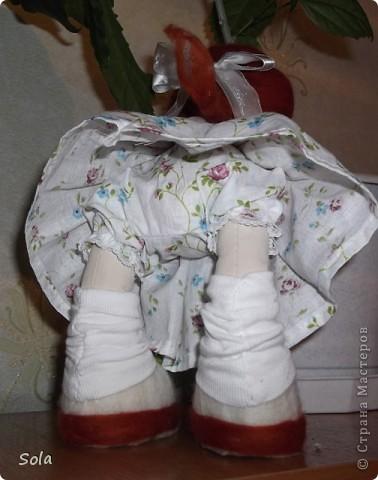 Доброго времени суток!  Завтра у мамы день рождения, вот проснется утром, а на тумбочке она, да с букетом...  фото 4