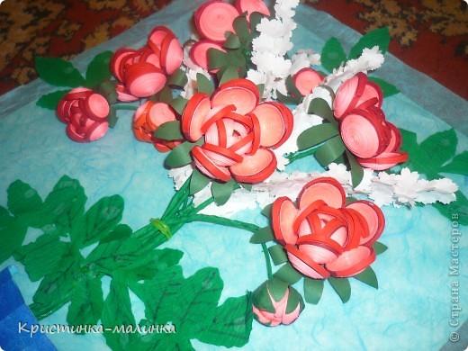 """Здравствуйте, жительницы, Страны Мастеров""""! Представляю на Ваш суд свою новую работу. Как раз сегодня и повод для этого имеется... Праздник """"Семьи, Любви и Верности. Букет состоит из роз с бутонами, сделанный по МК Ольги Ольшак, и цветов МК Елен 15.12. Спасибо им за подробный МК!  фото 11"""
