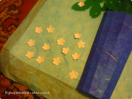 """Здравствуйте, жительницы, Страны Мастеров""""! Представляю на Ваш суд свою новую работу. Как раз сегодня и повод для этого имеется... Праздник """"Семьи, Любви и Верности. Букет состоит из роз с бутонами, сделанный по МК Ольги Ольшак, и цветов МК Елен 15.12. Спасибо им за подробный МК!  фото 4"""