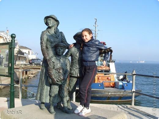 """в этом году мы решили не ехать в отпуск на море в жаркие страны а проехатся по ирландии.Предлагаю вам прогулку по портовому городочку Ков.Ровно 100 лет назад из Шербура вышел красавец-гигант - непотопляемый пассажирский лайнер """"Титаник"""". Он держал курс на ирландский Квинстаун (ныне Ков), ставший последней пристанью легендарного судна! фото 13"""