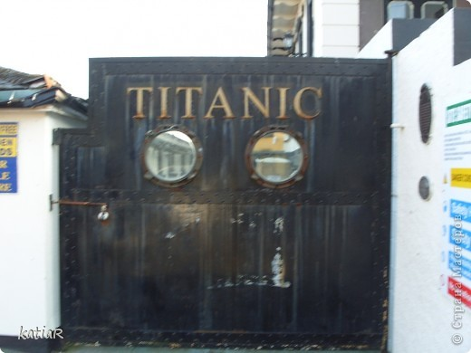 """в этом году мы решили не ехать в отпуск на море в жаркие страны а проехатся по ирландии.Предлагаю вам прогулку по портовому городочку Ков.Ровно 100 лет назад из Шербура вышел красавец-гигант - непотопляемый пассажирский лайнер """"Титаник"""". Он держал курс на ирландский Квинстаун (ныне Ков), ставший последней пристанью легендарного судна! фото 3"""