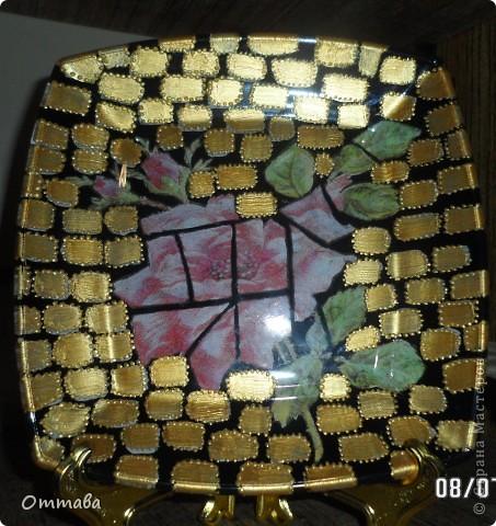 Тарелка с розой сделана по видео-мастер-классу Натальи Фохтиной, остальные с помощью компьютерных распечаток и акриловой шпатлевки фото 1