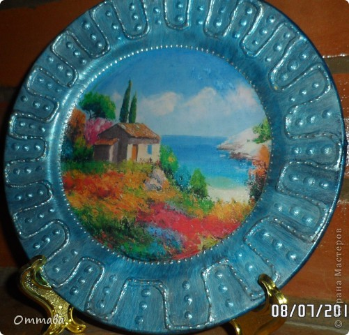 Тарелка с розой сделана по видео-мастер-классу Натальи Фохтиной, остальные с помощью компьютерных распечаток и акриловой шпатлевки фото 3
